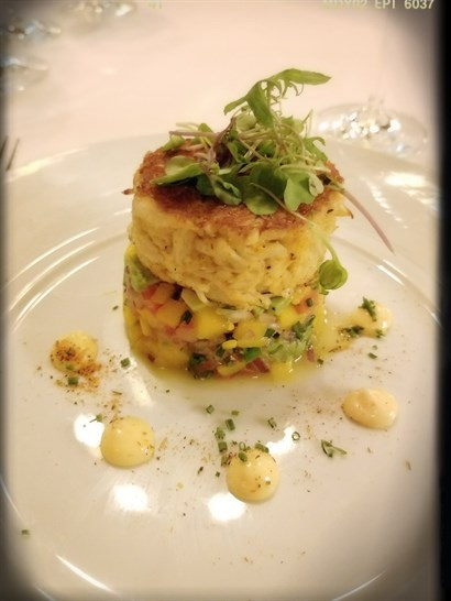 Maryland Crab Cake (USD 22)